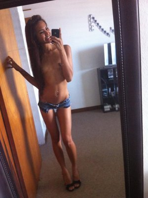 Lashanda from  is interested in nsa sex with a nice, young man